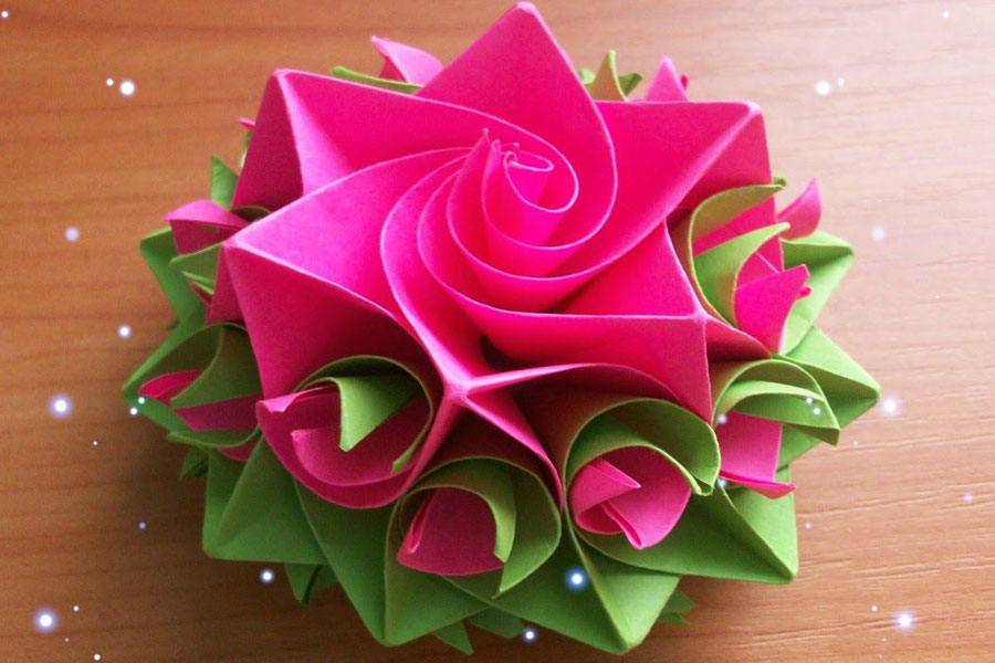 2 Ways to Make Perfect Paper Roses