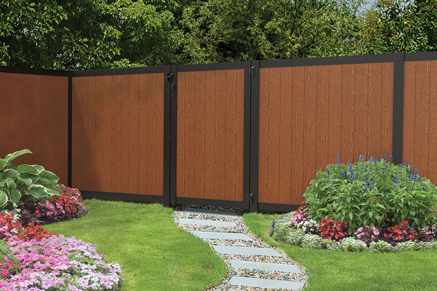 Residential-Sequoia-Redwood-Vinyl-Fence